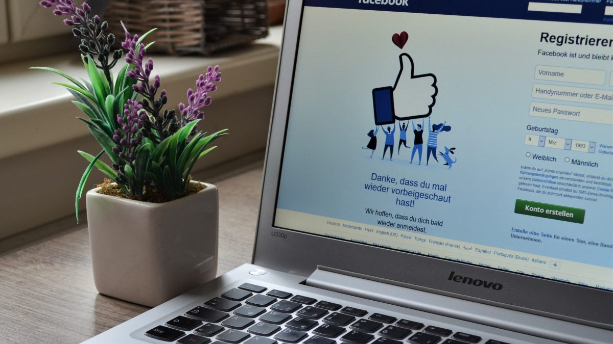 Work from Home Security Tips Provided By Facebook - Social-Singam